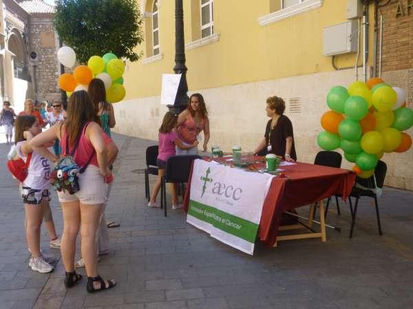 Más de cien voluntarios de la AECC recaudan donativos en Teruel para luchar contra el cáncer