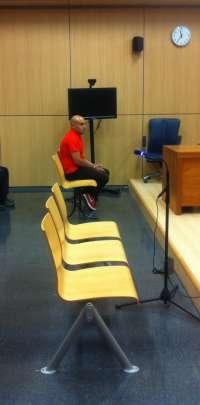 Un jurado declara culpable de asesinato al joven acusado de matar a su madre con una azada en Llíria