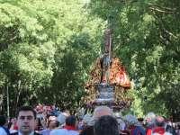 Los pamploneses arropan a San Fermín en la tradicional procesión del Día Grande de las fiestas