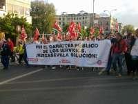 La plantilla de Mercasevilla marcha a pie este lunes hasta el Ayuntamiento en protesta por los 115 despidos