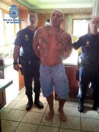 Detenido un narcotraficante que se escondió en una 'habitación del pánico' para evitar su arresto