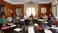 Cabildo de Tenerife y sindicatos sellan la continuidad de los trabajadores temporales