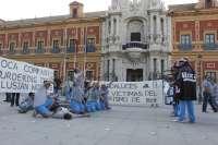 Los trabajadores de Roca reciben los despidos ante el cierre definitivo de la planta de Alcalá tras 25 años