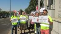 Trabajadores de Fomento C-LM se concentran en Toledo por la posible modificación laboral de 144 empleados