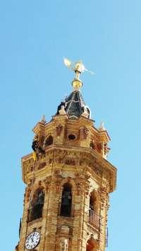 El CPB sanea la torre de la iglesia de San Sebastián de Antequera y refuerza piezas en riesgo de desprendimiento