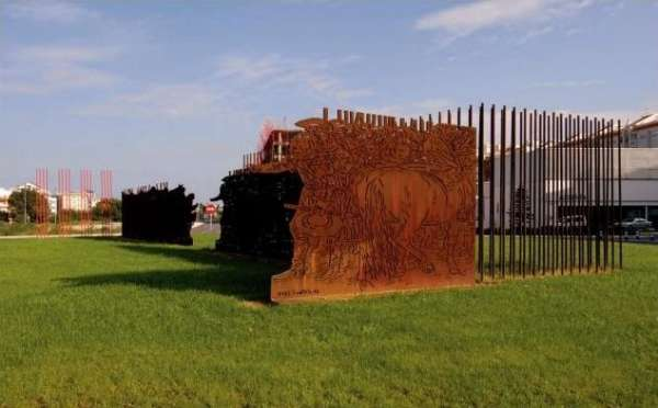El alcalde de Gandia da dos meses para acordar la nueva ubicación de la escultura de Antoni Miró
