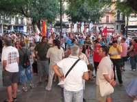 Decenas de personas se concentran en Toledo, convocadas por IU, contra el