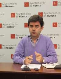 El PSOE de Huesca critica la flexibilidad del PP con el botellón y venta ilegal ambulante