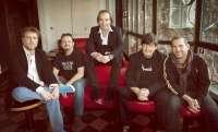 Los Secretos presentan este viernes en concierto en El Batel su último disco, 'En este mundo raro'