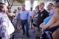 Zoido visita las obras en la plaza de Francisco Muñoz 'Kirri' del Polígono de San Pablo