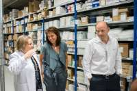 El nuevo almacén unificado del CHN, con un catálogo de 2.300 productos, gestiona 30 suministros diarios