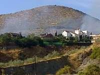Controlado el incendio declarado en Cenes de la Vega en una paraje cercano a una zona de viviendas