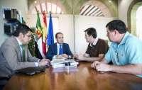 El Gobierno de Extremadura y CSI-F establecerán diálogos que permitan