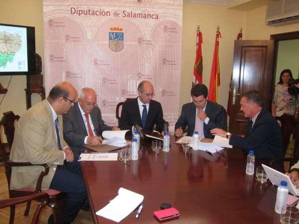 La Diputación de Salamanca externaliza la conservación de carreteras con un contrato de 17,2 millones hasta 2017