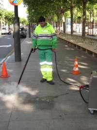 El Ayuntamiento comienza este lunes la campaña de limpiezas intensivas en la ciudad, que se prolongará todo octubre