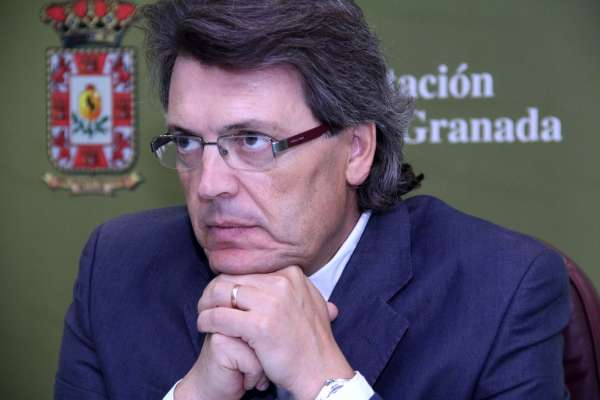 La estabilidad presupuestaria en Diputación permite la recuperación de las ayudas sociales para sus empleados