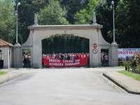 Más de 7.000 personas se manifiestan en Torrelavega en apoyo a los trabajadores de Sniace, que continuarán movilizándose