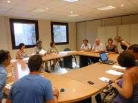 La Conselleria de Educación y los sindicatos comienzan a hablar del TIL y la Ley de Símbolos tras seis horas de reunión