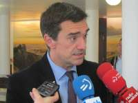 Fernández presenta el acuerdo Gizalegez de Gobierno vasco que aspira a crear condiciones educativas para la convivencia
