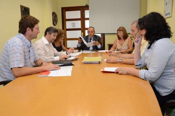 Un trabajo de investigación sobre el sombrero Vueltiao Zenú gana el premio internacional de artesanía de Tenerife