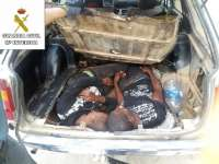 Un perro detector de la Guardia Civil descubre a dos inmigrantes en doble fondo de un vehículo en frontera de Melilla