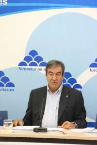 Cascos propone que Fomento recupere los convenios ya firmados para acabar con el fondo de saco de León de la Variante