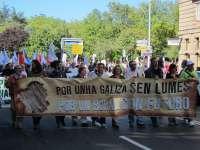 Una manifestación en Santiago exige a la Xunta medidas de prevención contra los incendios en los montes gallegos