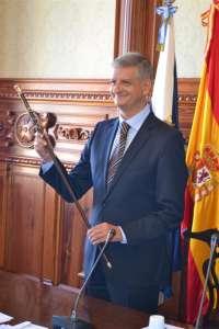 Francisco Linares (CC) asume la Alcaldía de La Orotava (Tenerife) con