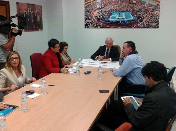 Suárez reitera que el PP trabaja en una solución para dotar económicamente la obra de Avenida Cataluña