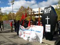 Más de un centenar de estudiantes se manifiesta contra la Lomce y los