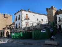 La Oficina de Turismo de la Plaza Mayor de Cáceres estará a punto para el puente de diciembre