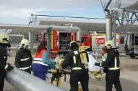Los servicios de urgencia se ponen a prueba en un simulacro en una central termosolar de Morón