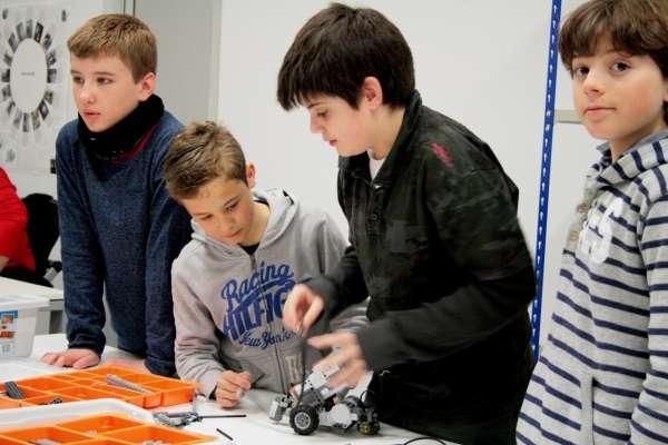LABoral acoge dos nuevos campamentos de robótica infantil