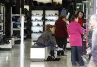 El Principado autoriza la apertura al público de cinco domingos y cinco festivos para los comercios en 2014