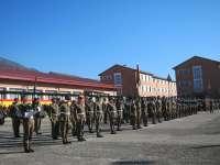 Los 400 integrantes del Regimiento América 66 celebran la festividad de su patrona con una parada militar en Aizoáin