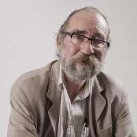 El escritor Patricio Peñalver presenta este lunes en el Café Zalacaín de Murcia su novela 'Tiempo de Transición'