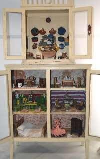 El Museo González Santana de Olivenza (Badajoz) expone una casa de muñecas como pieza del mes de enero