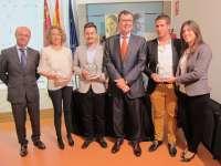 Ideas innovadoras en alimentación y juguete educativo se llevan el premio 'Emprendedor del mes' de la Región