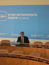 Puy esgrime las iniciativas aprobadas por unanimidad en la Cámara frente a acusaciones de