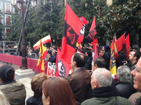 La Toma de Granada vuelve a celebrarse con normalidad pero con patente división entre defensores y detractores