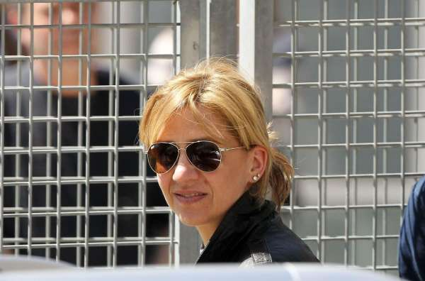 El juez Castro imputa a la Infanta Cristina por presunto delito fiscal y de blanqueo