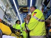 Cospedal agradece a Ambulancias Finisterre que haya mantenido su labor a pesar de que la situación