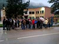 Los trabajadores de Felguera Melt ponen fin a los 17 días de encierro en el Ayuntamiento de Langreo