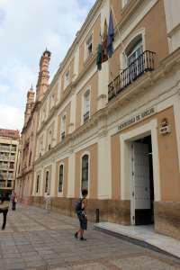 Desconvocada la huelga indefinida de la limpieza en la Universidad de Huelva
