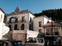 PSOE aprueba la creación de una gestora en un pleno con expulsión de la portavoz del PP y la renuncia de Foro