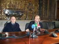 El pintor Javier Rueda dona su obra 'Amanecer. Catedral de Sevilla' al Museo Catedralicio-Diocesano de León