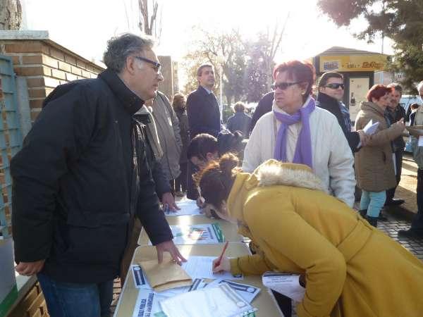 Inician en Toledo una recogida de firmas contra los recortes en sanidad, la saturación de Urgencias y falta de personal