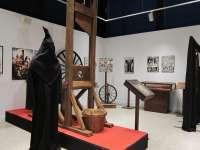 Una exposición en Salamanca muestra 70 aparatos de tortura para que el espectador reflexione sobre su crueldad