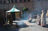 Miles de personas llenan las calles de Teruel durante la fiesta medieval de la leyenda de los Amantes