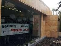 Profesores interinos se reunirán con Educación el próximo martes tras el encierro de unas 40 personas en la Consejería